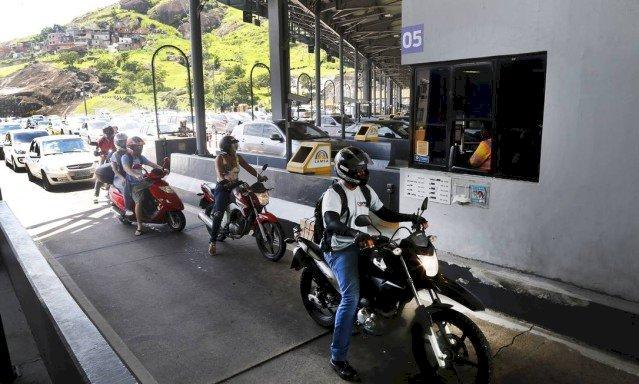 Empresa anuncia pagamento por aproximação para motos em pedágios