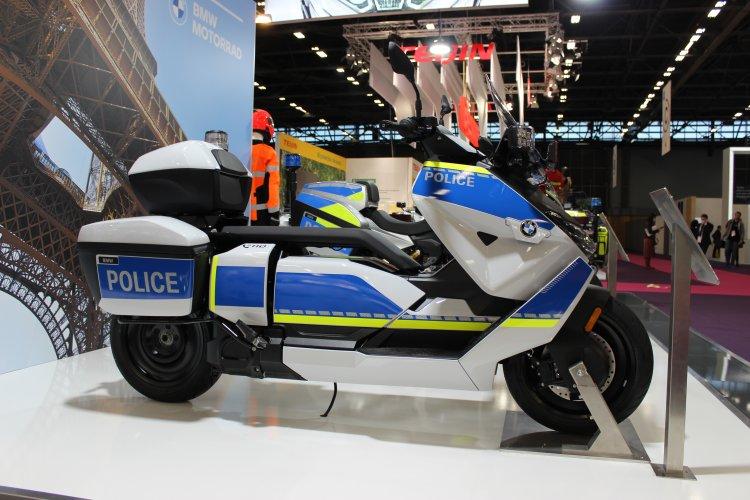 Sirenes ligadas: BMW estreia nova BMW CE 04 na Milipol 2021