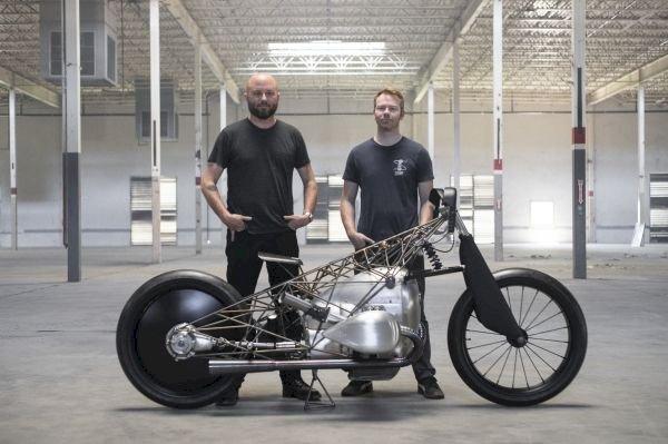 Protótipo de motor da BMW inspira customizadores