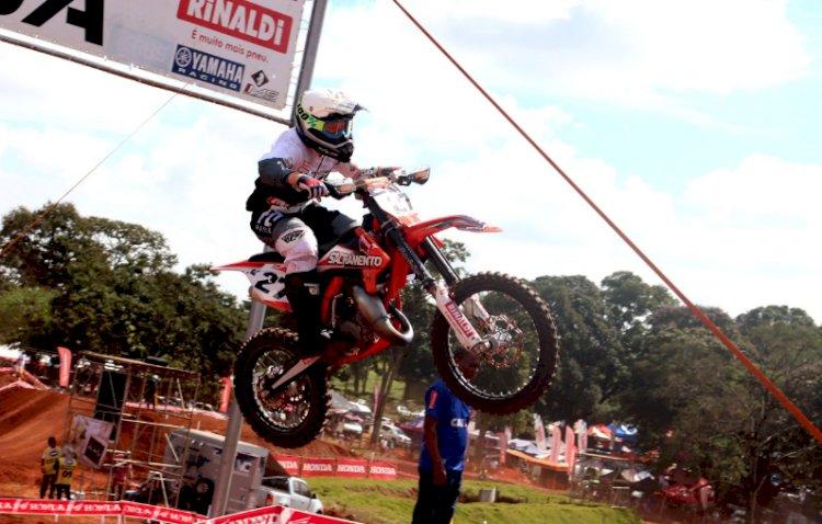 Rafael Becker disputa Catarinense de Motocross