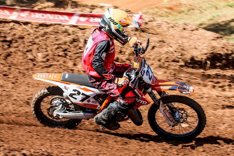 Rafael Becker continua sua evolução no Catarinense de Motocross