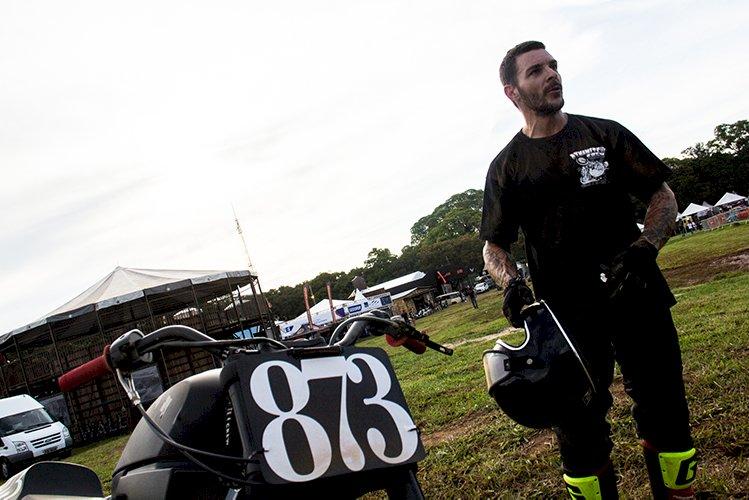 Marcelo Simões chega à semifinal no Brasileiro de Flat Track