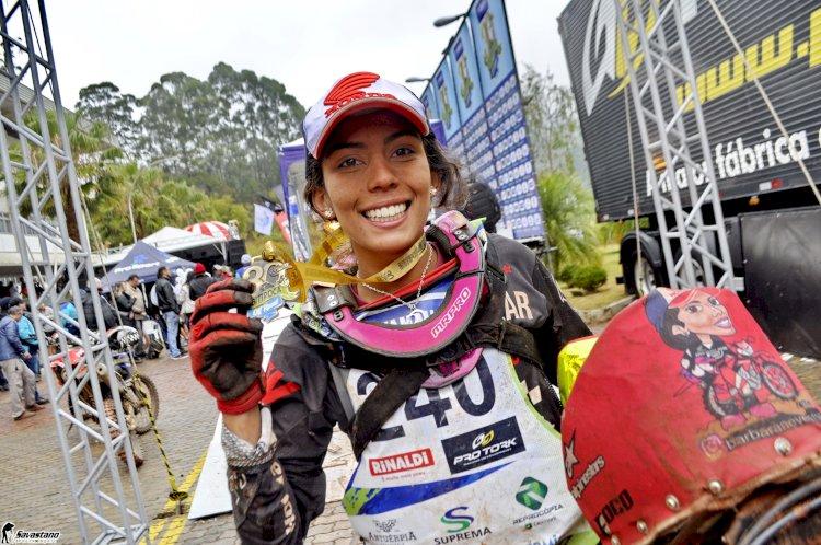 Bárbara Neves defende título no Chile