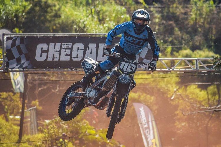 Penúltima etapa do Pro Tork Paranaense de Motocross