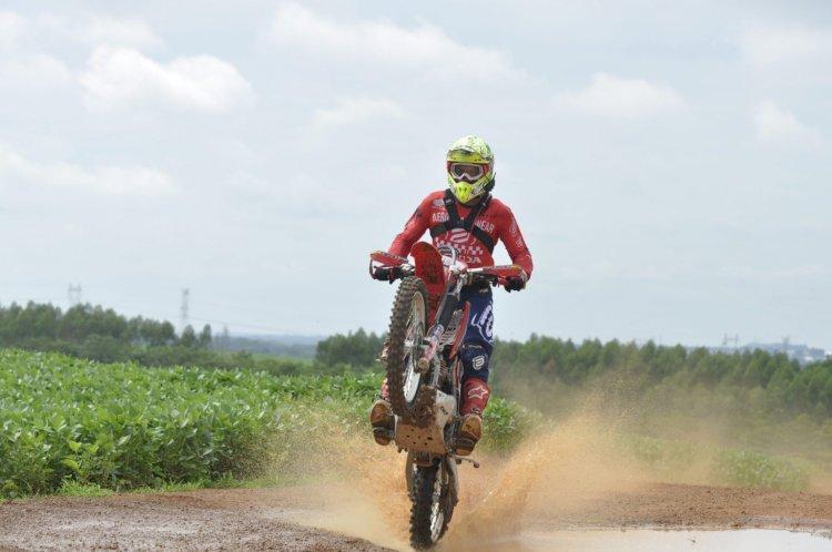 Pilotos Honda encerram Brasileiro de Regularidade