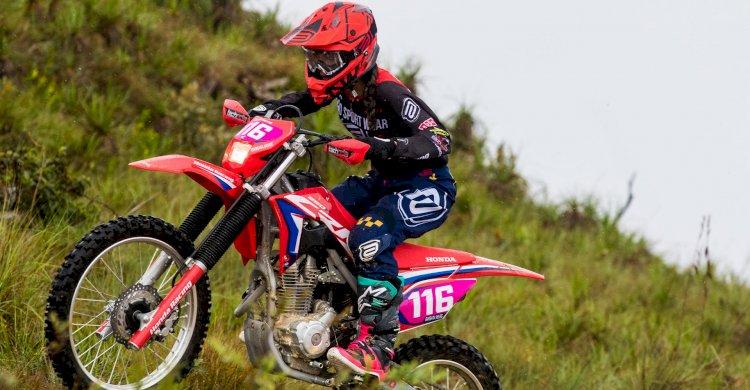 Bárbara Neves na Pró Moto