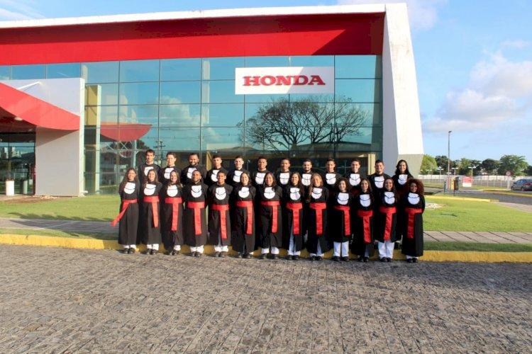 Honda promove formatura em Recife