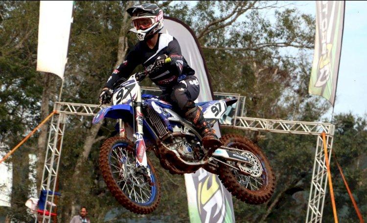 Motocross em dose tripla