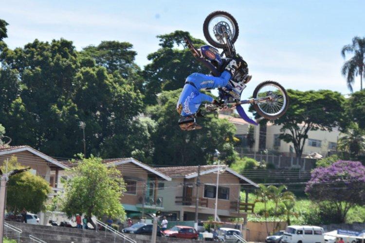 Piloto Kiko Silva disputa Duelo de Motos