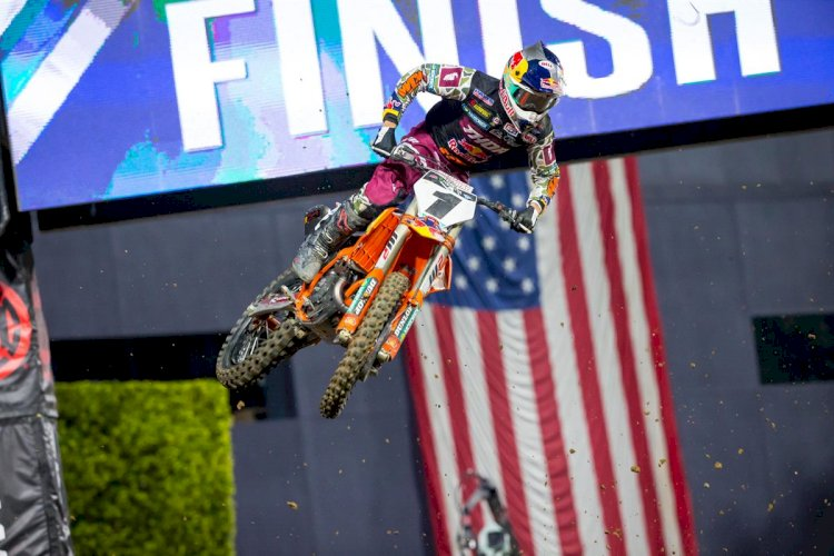 Cooper Web vence sexta etapa do AMA Supercross