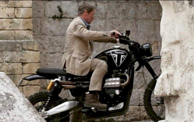 Motos no próximo filme de 007, que estreia em abril