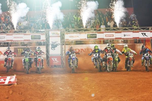 Abertura oficial do Arena Cross Brasil 2020 acontece em abril